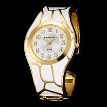 Women New Stytle 18K Gold Luxury Brand Analog Round Dial Bracelet Watches Lady Q