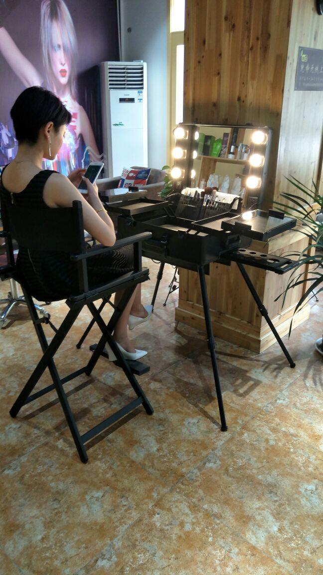 professionelle k nstler roll pvc kosmetische make up zug tisch fall mit licht schwarz in. Black Bedroom Furniture Sets. Home Design Ideas