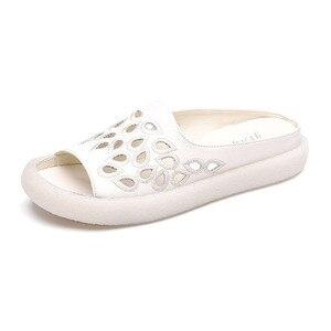 Image 2 - GKTINOO 2020 여성을위한 정품 가죽 플립 플롭 샌들 여름 신발 우아한 플랫 힐 패션 야외 슬라이드 여성 슬리퍼
