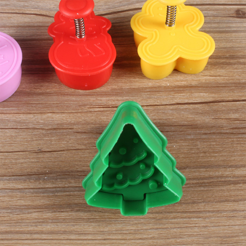 Us 2 16 12 Off 4pcs Set Cookie Stamp Biscuit Molds 3d Christmas Snowman Tree Cookies Cutter Biscuit Plunger Crackers Sugarcraft Cake Decoration In
