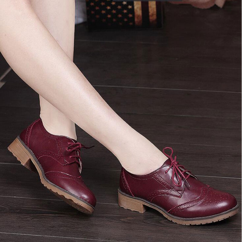 2018 Autumn women oxfords shoes woman brogue high heel boat shoes lace up pointed toe Creepers black pumps winter Sneakers M695