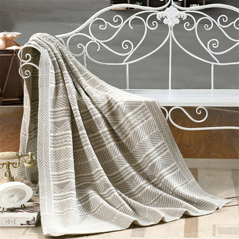Les Baoyi 1-Piece Cotton Grey Super Soft Blanket Solid Color Plaid Throw Blanket On the Bed Queen Size Machine Washable 110*180c цены онлайн