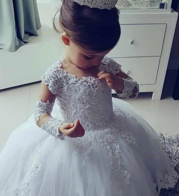2019 Long Sleeve Ball Gown Princess   Flower     Girls     Dresses   Appliques with Beaded Stunning Cute   Girls   First Communion   Dress   White