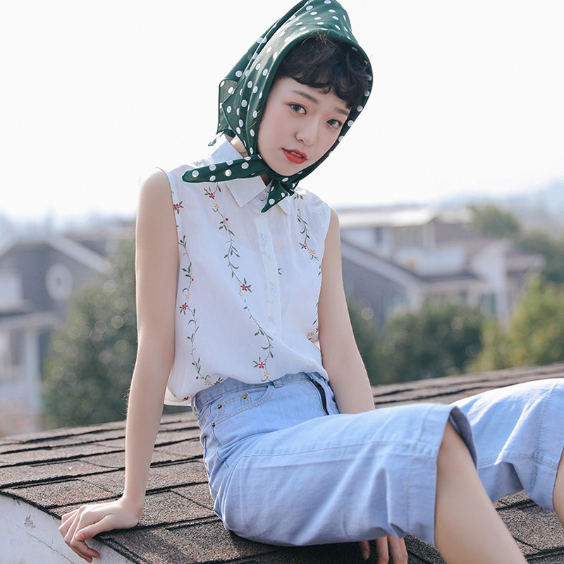 Small Fresh and Sweet Shirts Tops Embroidery Flower Sleeveless Shirt Female Summer 2018 Student Style Collar White Blouse