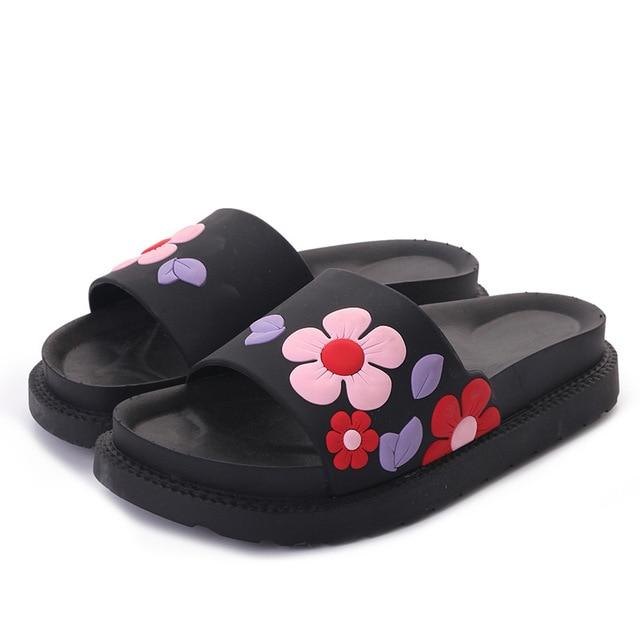 1a16e4efc9f40 Comfortable Slides Shoes Home Slippers Beautiful Flower Women Sandals Flat  Brand Soft Cute Shoes Woman Summer