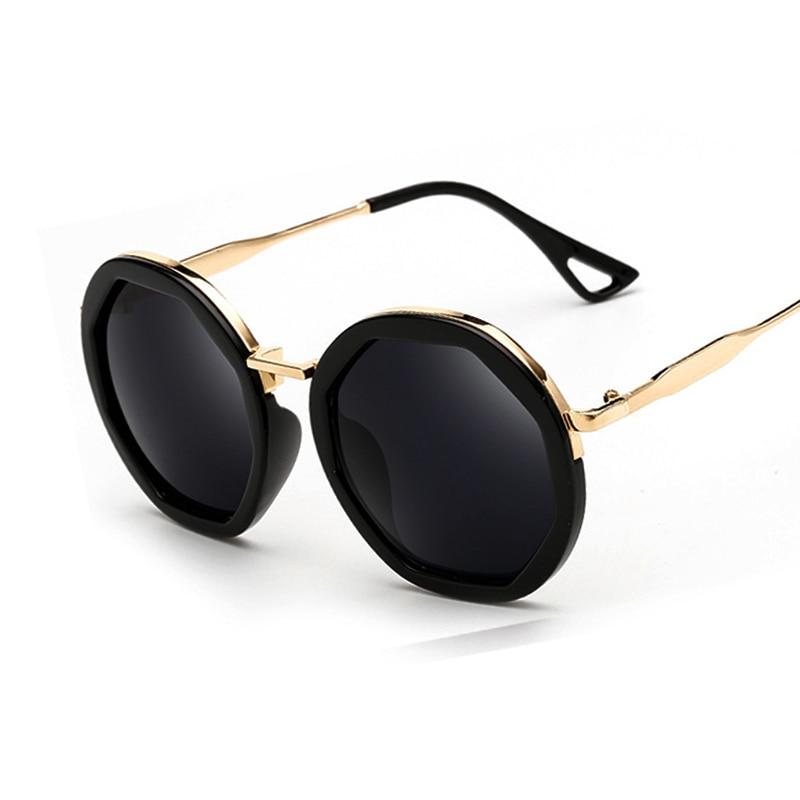 2017 Mode Femme Ronde lunettes de Soleil Marque Designer Classique Shades  Hommes De Luxe lunettes de Soleil UV400 02f5da541e04