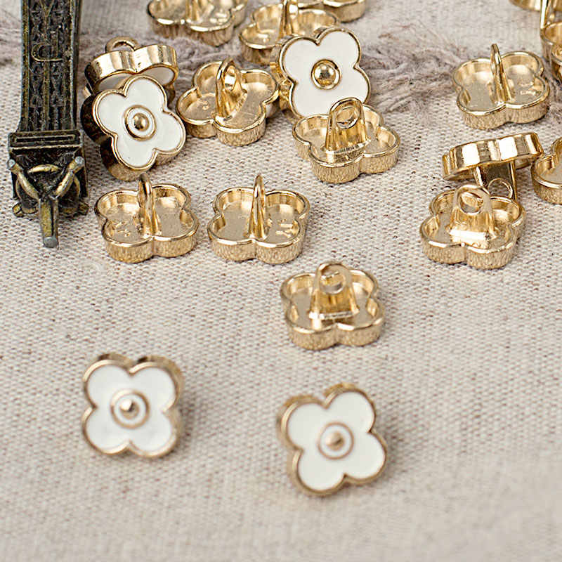 Quality fashion pearl metal buttoning a shirt buttoned cardigan decoration
