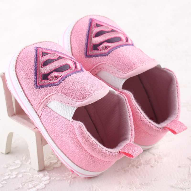 2019 nueva primavera otoño Batman héroe bebé niños zapatillas de moda suave bebé bebe Niño Zapatos primeros caminantes zapatillas de interior