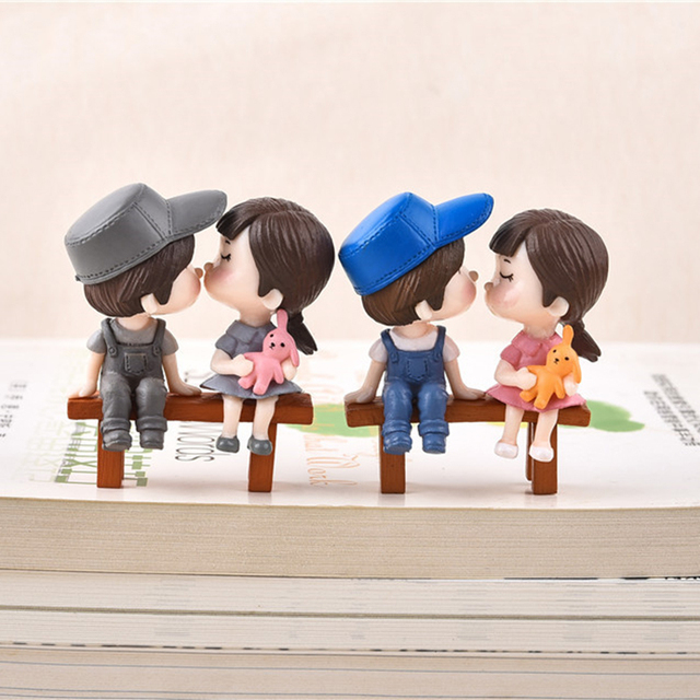 2pcs/Set New Arrival  Moon Couple PVC Romantic Figurines Craft Decorative Ornaments For Bonsai Home Table Decoration 3