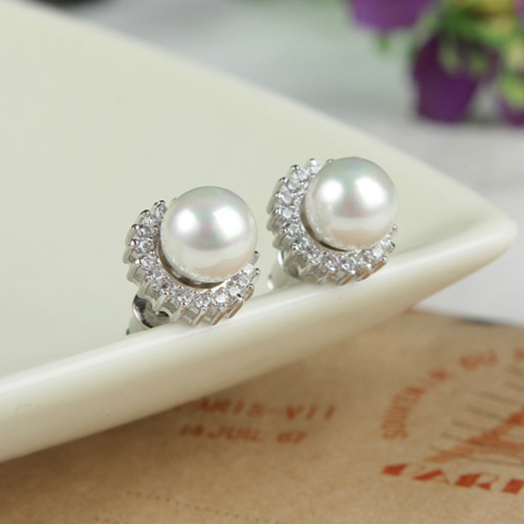 Buy Hot Selling White Freshwater Pearl Stud Earrings for Women Gifts with Flower Design natural real pearls E097