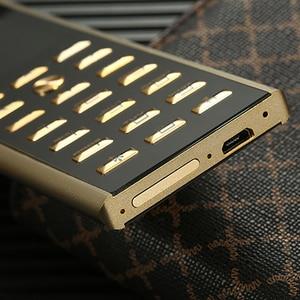 Image 4 - 高級メタルボディデュアル sim キー携帯電話 cectdigi V01 スモールミニカード 2 グラム GSM シニアバーロシアキーボード薄型携帯電話