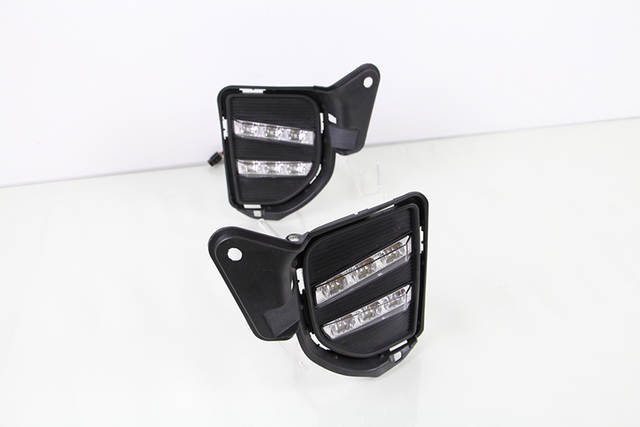 Car Flashing 2Pcs LED Daytime Running Light for Toyota Hiace DRL 2014 2015  2016 LED DRL Fog Light Cover Front Lamp Auto Parts