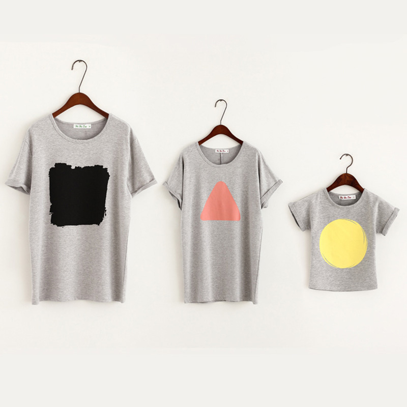 Rlyaeiz Summer Family Matching Clothes 2018 New Family Look Geometric T Shirts Father Moth