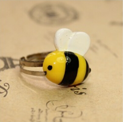 24pcs/lot kawaii Diligent bees Resin Flatback Cabochons Ring Cute Retro Sweet childrens Gift