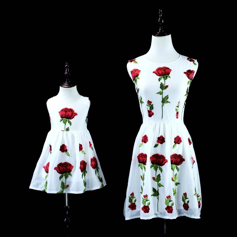 Marque mesh emb rose fleur maman filles vacances plage robe famille vêtements soirée robe mère et fille robes d'été