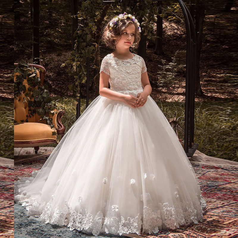 46b1a56a9 New Arrival Short Sleeves Lace Tulle Flower Girl Dress White Vintage Floral  Appliques Kids Holy Communion Ball Gowns with Trains