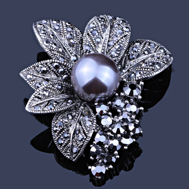 Retro Style Black Rhinestones Brooches & Pins Simulated Pearl Leaf Shape Brooch For Women Vintage Scarf Clip Jewelry Accessories