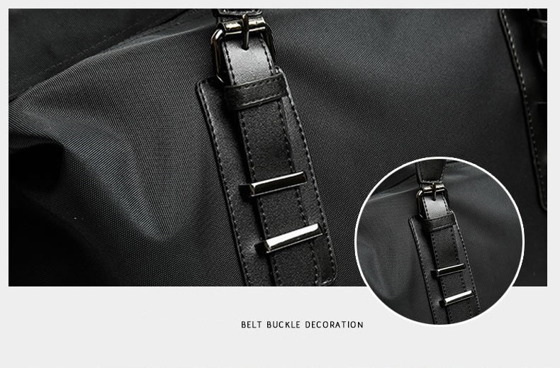 photo showing a leather handle of a duffle