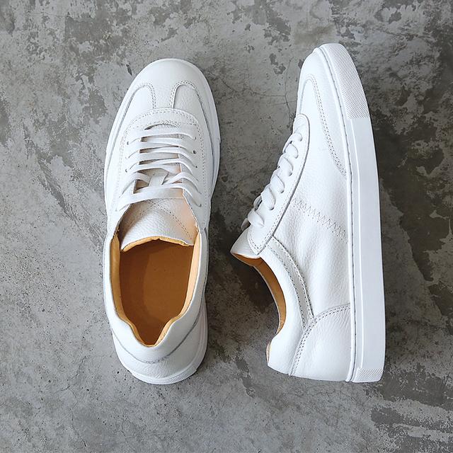 Sapatos da moda Para Os Amantes Do Couro Branco Sapatos Rendas Respirável Estudante Sapatos Casuais Tamanho 35-43 Marca Sapatos Baixos Confortáveis