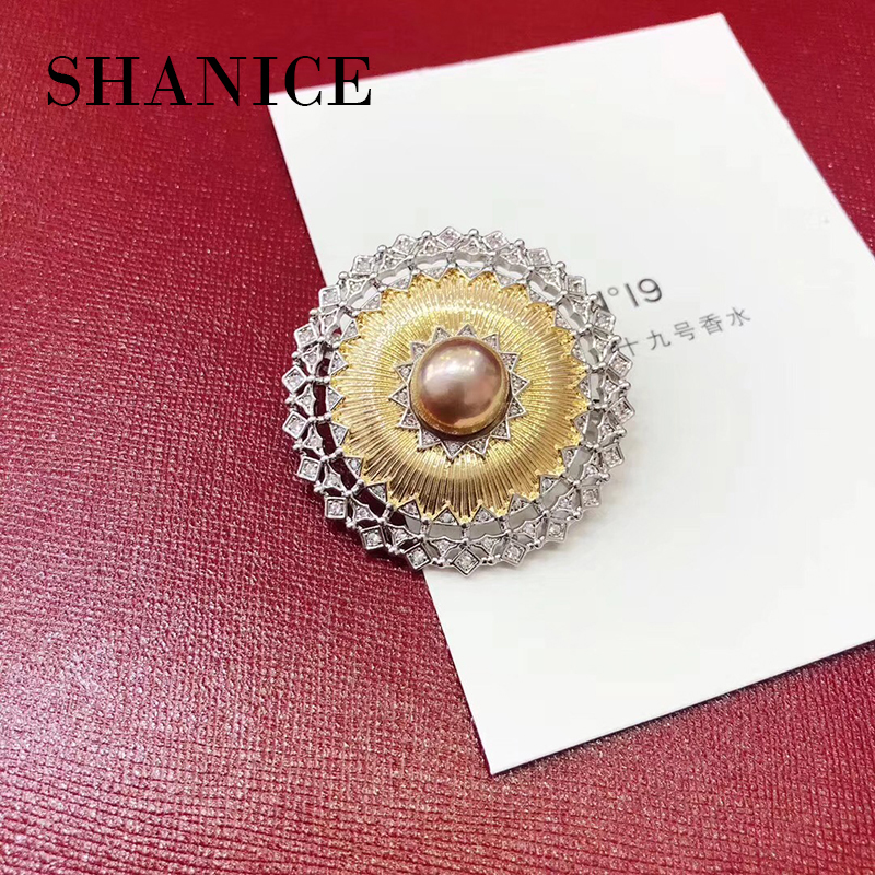 все цены на SHANICE Vintage Pearl Brooch Pin White Round Stone Micro Pave CZ Palace Brooches Pin Gold Tone Diamante Flower Bridal Bouquet