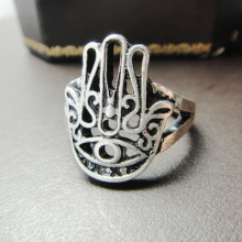 Accessories wholesale and the hand of Fatima Restoring ancient ways ring hamsa