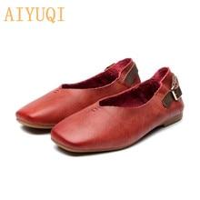 Купить с кэшбэком AIYUQI women flat shoes genuine leather spring 2019 new Vintage soft bottom mother shoes,Flat casual fashion shoes women