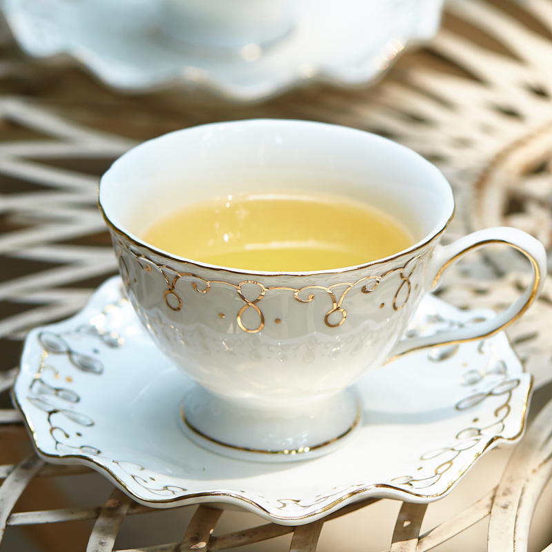 Elegant Creative Black Tea Cup British afternoon tea set China Porcelain Coffee Cup Home Cafe Creative Coffee Cup Saucer Set