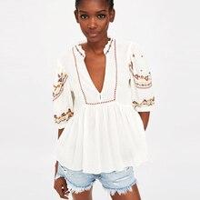 blusa em chique floral