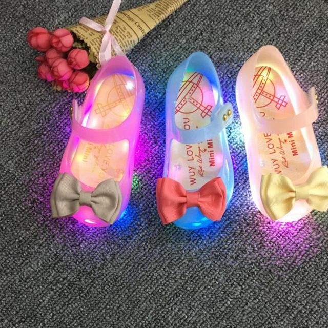 HOT New Arrivals Mini Melissa LED Luz Niñas Sandalias Arco niños Zapatos de La Jalea de Melissa Zapatos de Flash LED Sandalias Antideslizantes de Alta calidad