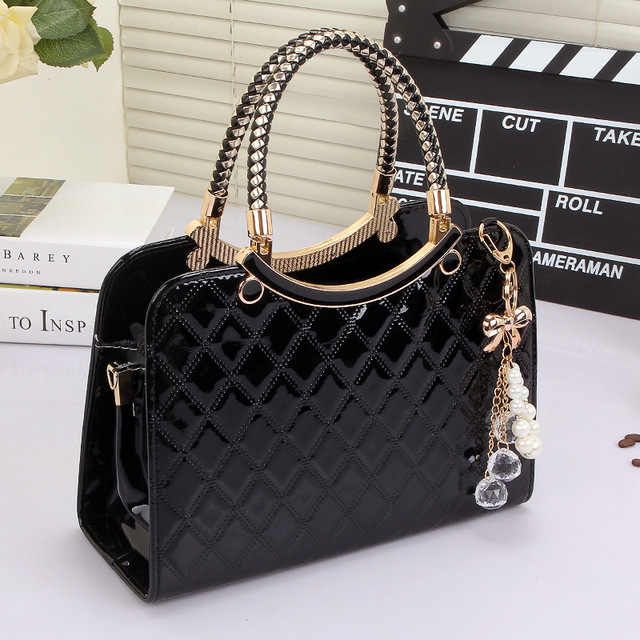 2017 New Luxury Embossing Women Crossbody Bags Patent Leather Handbag Fashion Shoulder Bag Messenger Bag Fashion Top-handle Bags