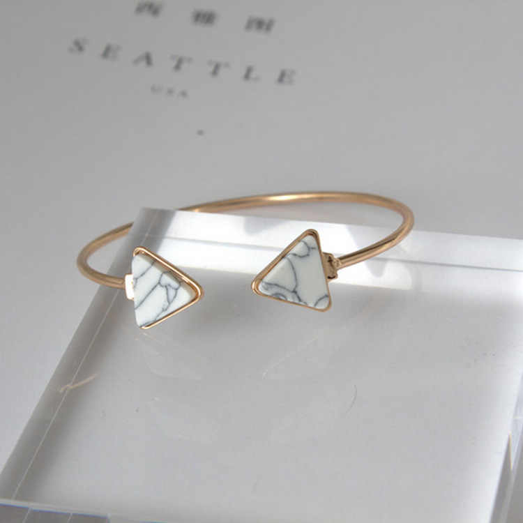 Punk 2018 New Fashion Bracelet Personality Simple Geometric White / Blue Triangle Bracelet Lady Wholesale Sales Faith Bracelet