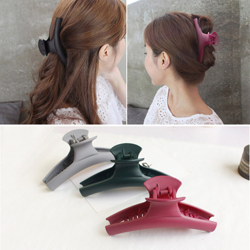 2017 New Fashion Simple Hair Clip Hair Claw Hårtilbehør for Women Hair Crab Clamp Stor frostet akrylklipp Hodetøy