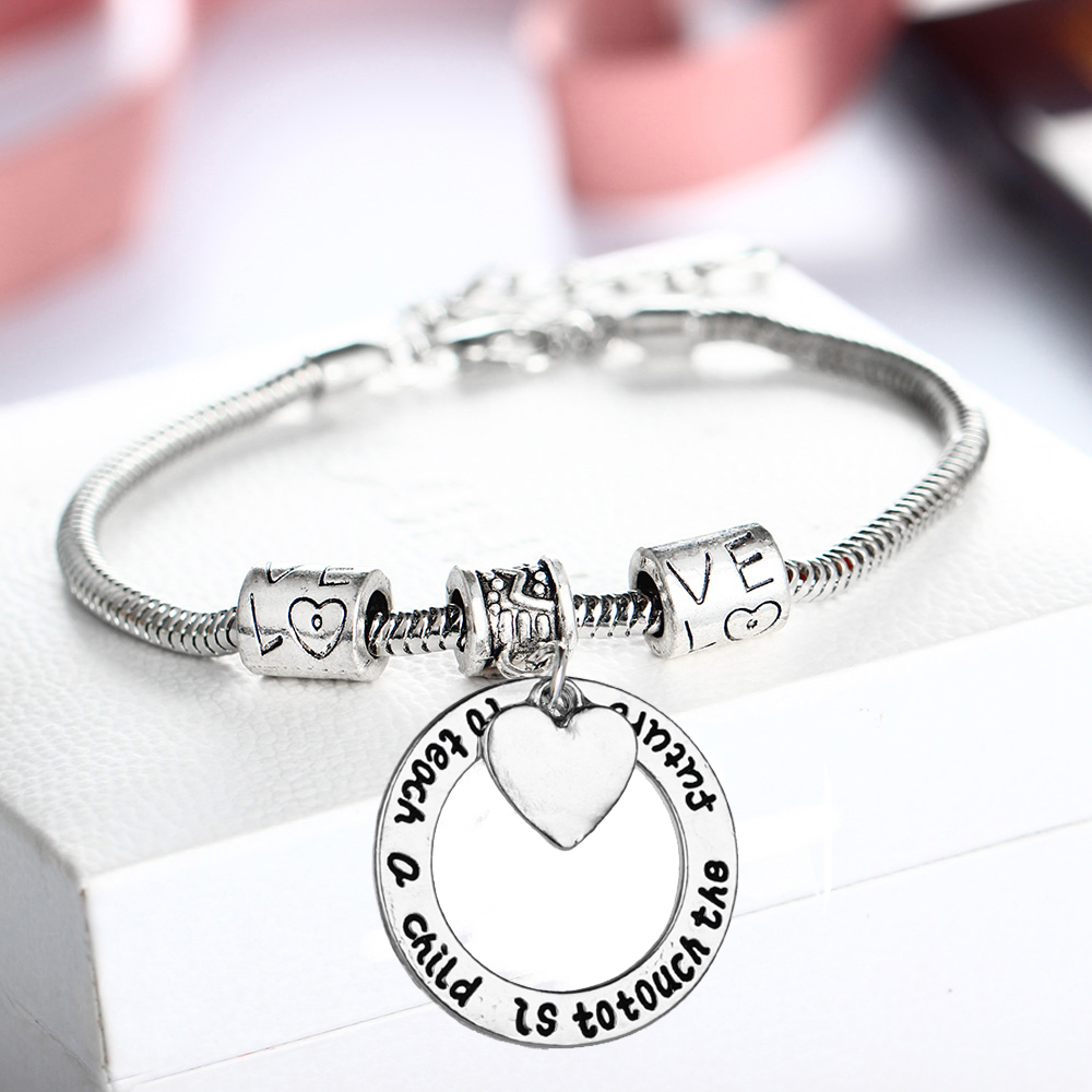 12PC/Lot Vintage Love Beads Bracelets Teachers Gifts Heart Bangle To Teach A Child Is To Touch The Future School Party Wristband