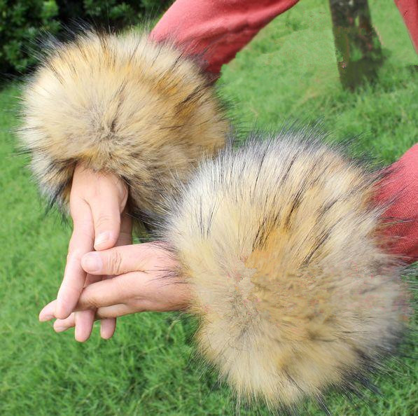 Autumn And Winter Women's Girl's Super Large Fox Fur Cuff Oversleeps Hand Ring Fur Bracelet Wrist Hand Arm Warmers