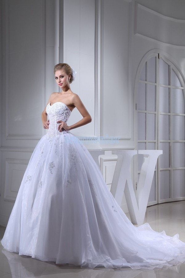 free shipping arrival 2016 hot sweetheart custom size color a line ball gown bridal dress small train white new wedding dress in Wedding Dresses from Weddings Events