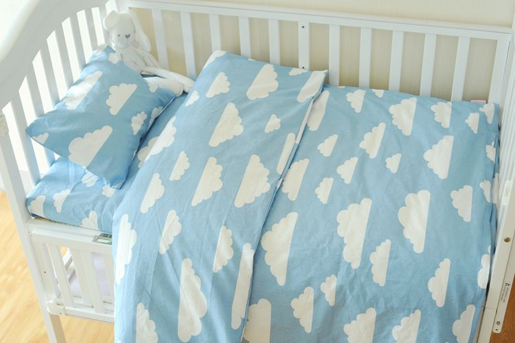 4 Styles blue clouds baby bedding set 3pcs/set Cotton Crib Bedding Set For Boys Newborn girls duvet cover pillowcase flat sheet colorful bedding star and moon duvet cover set 3pcs