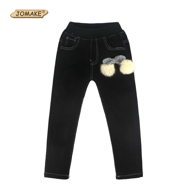 2017 Muchachas Del Invierno Pantalones Vaqueros de Color Sólido de Lana Gruesa Niños Pantalones Vaqueros Niños Pantalones de Jean Con Bola de pelo Accesorios de Ropa de Las Muchachas