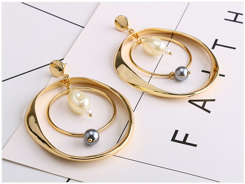 Circle Pearl Earrings  (3)