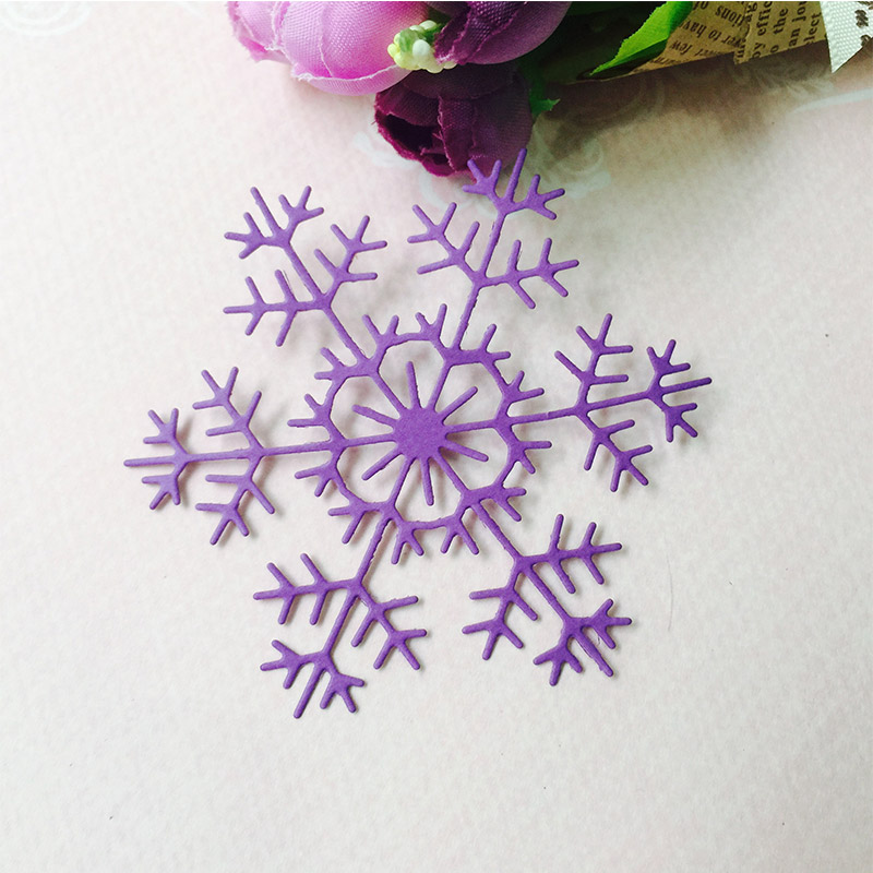 1Pcs Snowflake Metal Cutting Dies for Scrapbooking DIY Album Embossing Folder Paper Card Maker Template Decor Stencils Crafts in Cutting Dies from Home Garden
