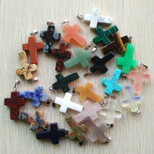 Toptan 50 adet/grup moda sıcak satış doğal taş karışık renk assort çapraz kolye Charms fit Kolye takı yapımı için