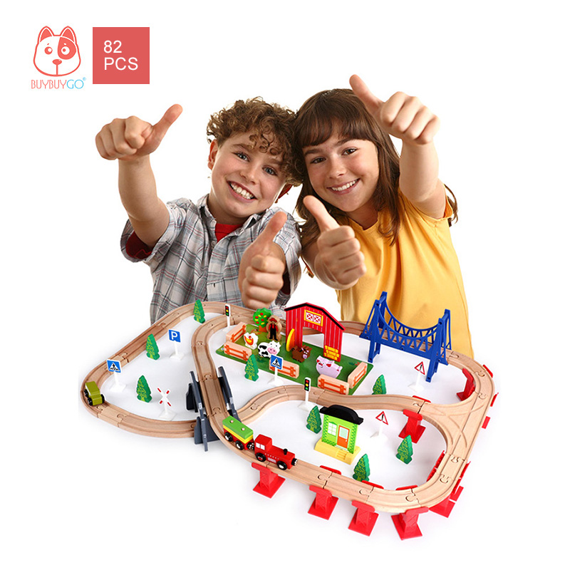 Wooden Series 82PCS Farm Animal Train Tracks Building Block Toys Childrens Educational Toys Character Scene Stitching Railway