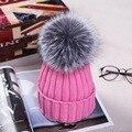 New Outono Inverno mulheres cap verdadeira bola de pele de raposa chapéu Pom poms 15 CM tampão feito malha fêmea grossa proteger orelha quente Senhora Gorros chapelaria