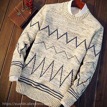 The new man in autumn and winter the New Retro turtleneck sweater sweater Mens Long Sleeved male students striped pullovers