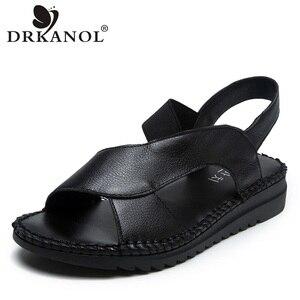Image 1 - DRKANOL 정품 가죽 샌들 여성 플랫 검투사 샌들 여성 여름 신발 오픈 발가락 샌들에 수제 슬립 여성 블랙