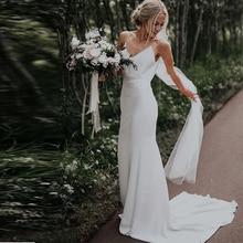 Prosty dekolt w szpic plaża suknie ślubne bez rękawów Satin Boho weselny suknie kaplica pociąg białe kości słoniowej paski Spaghetti suknie ślubne