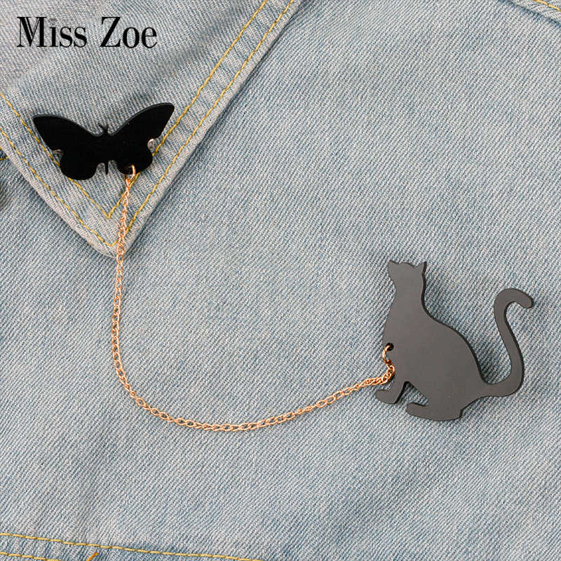 Cat Birds Squirrel Pine cone pin with chain Cartoon Animal brooch Lapel pin Denim Jeans shirt bag Black Acrylic Jewelry Gift