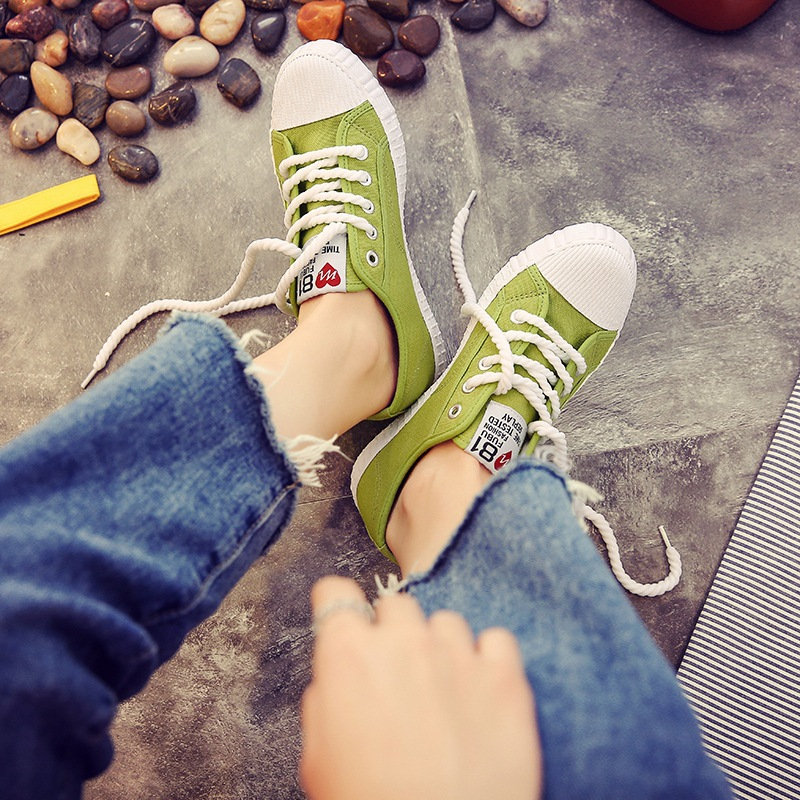 купить Lzzf 2018 Korean Casual Flat Canvas Women Shoes Fashion Students White Sneakers Platform Harajuku Shoes Woman Added Femme Tenis недорого