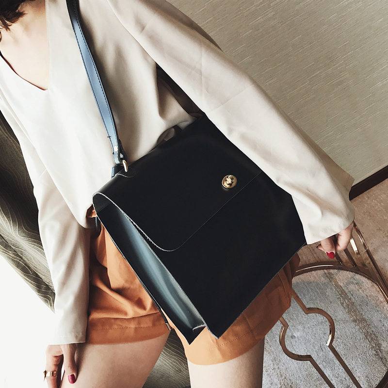 Image 4 - Retro Fashion Female Big Bag 2018 New Quality PU Leather Women's Designer Handbag Ladies Briefcase Tote Shoulder Messenger Bags-in Shoulder Bags from Luggage & Bags