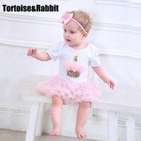Conjuntos de Vestido de Bebê Meninas quentes de Verão Vestidos de Batismo Vestido de Sino Rendas Princesa Romper Bodysuits Meias Cabeça Do Bebê Vestido Plissado