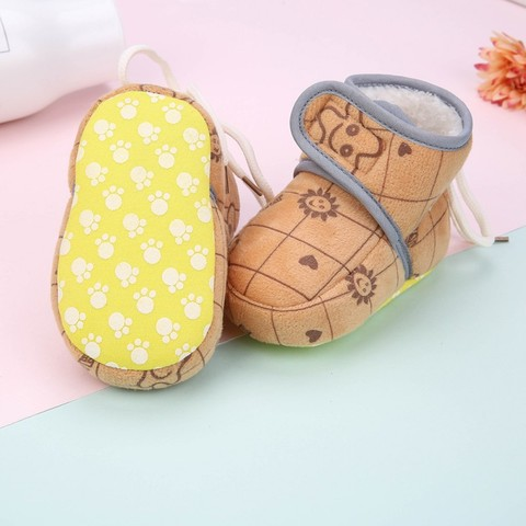 Hot Baby Toddler Shoes New Winter Baby Girl Cute Cartoon Anti-slip Soft Sole Crib Shoes First Walkers Plus Velvet Baby Shoes W Karachi